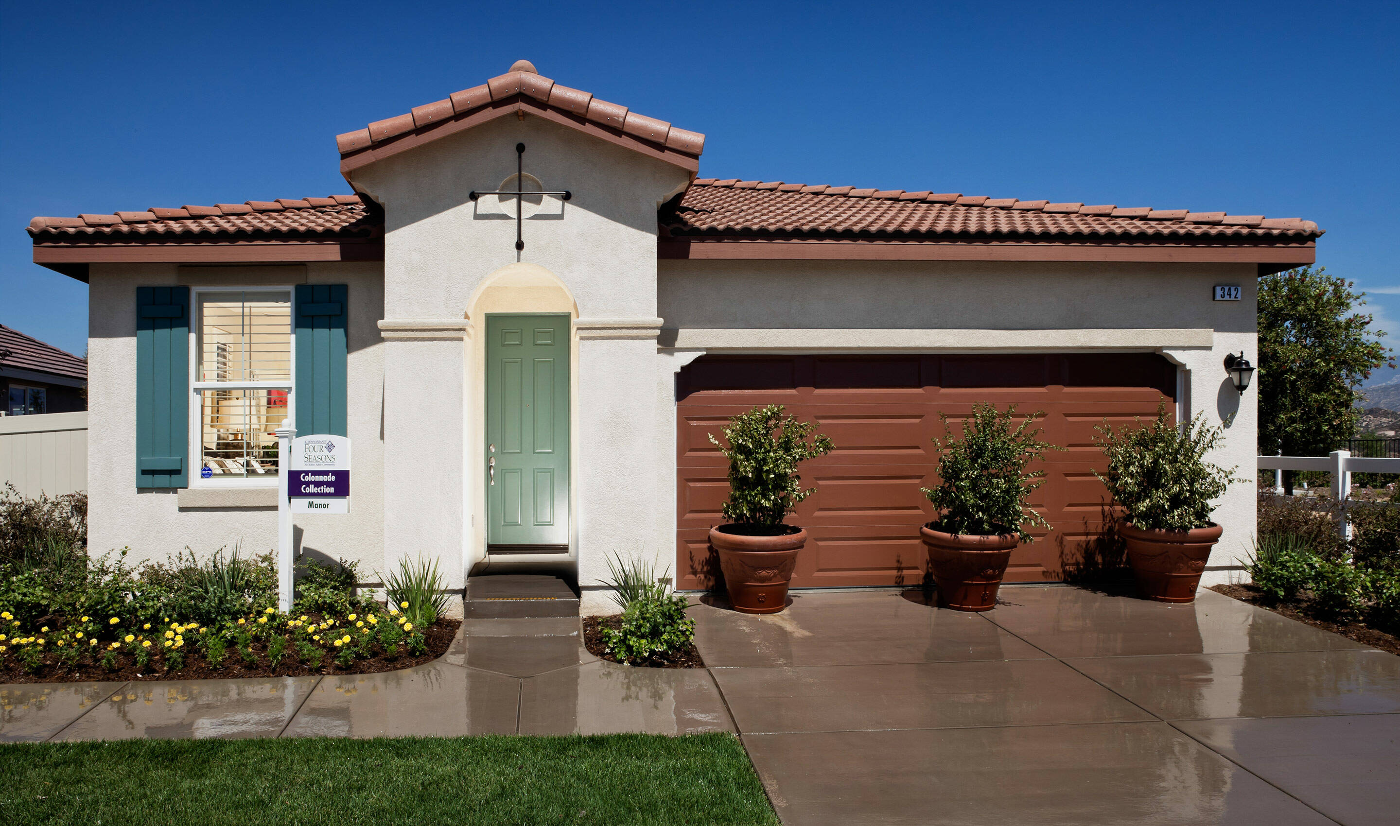 Manor Exterior - Beaumont - CA - Position 1