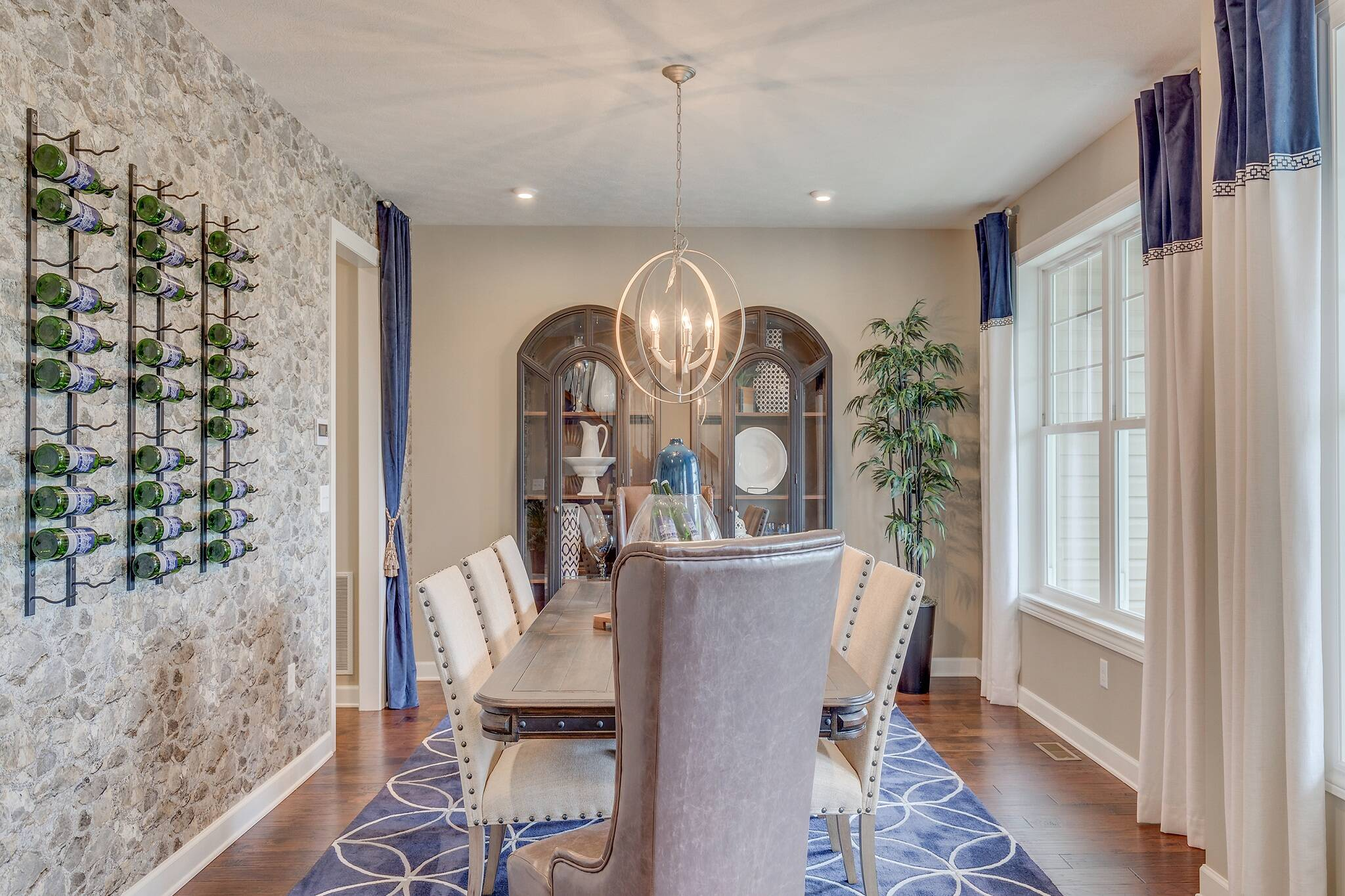2048x1364khov_washington_thorndale_dining-room