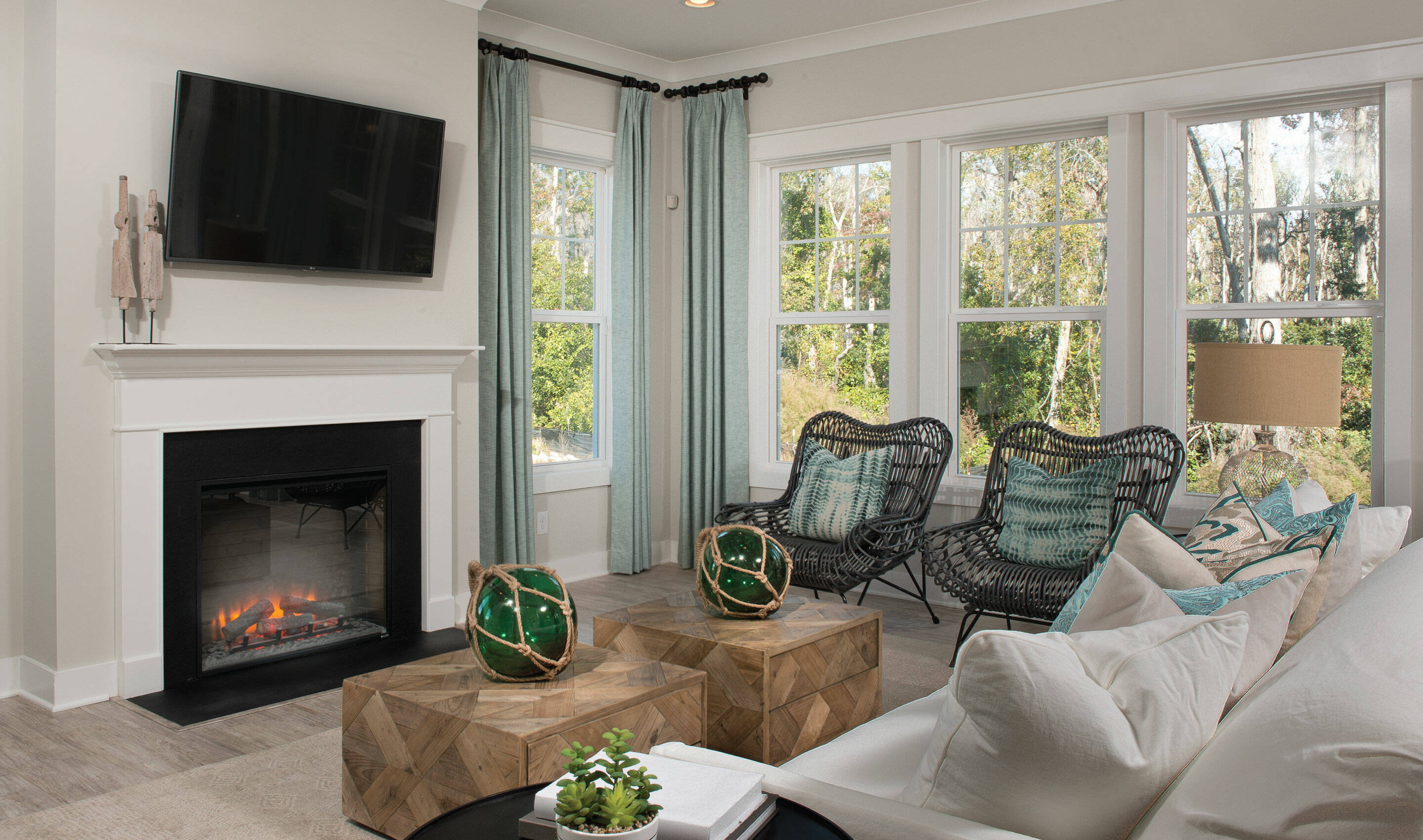 great room in surfside at magnolia place new townhomes in hilton head island south carolina