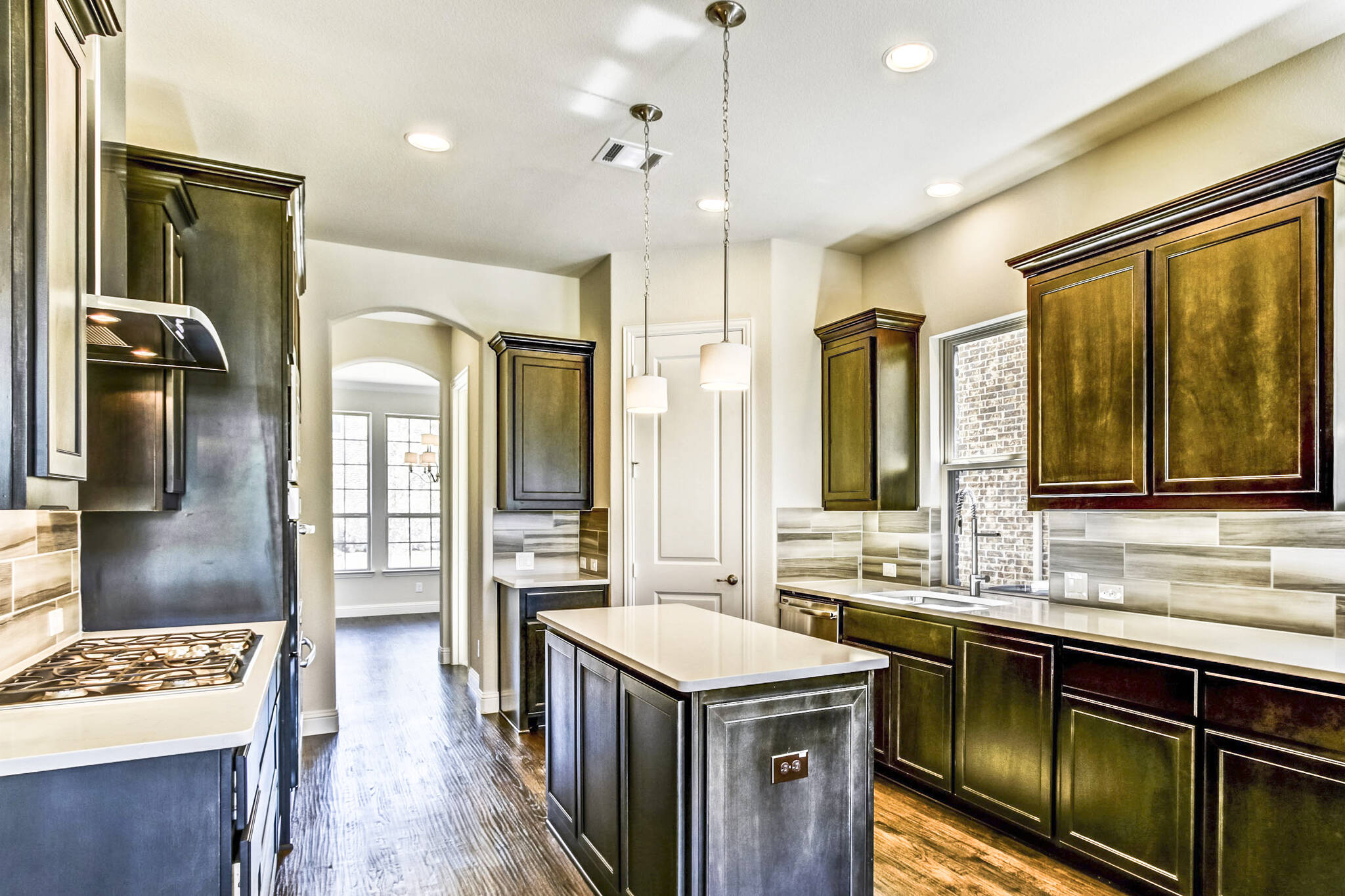 1916 Remington_Brookshire III_Villas at Mustang Park_010_Kitchen