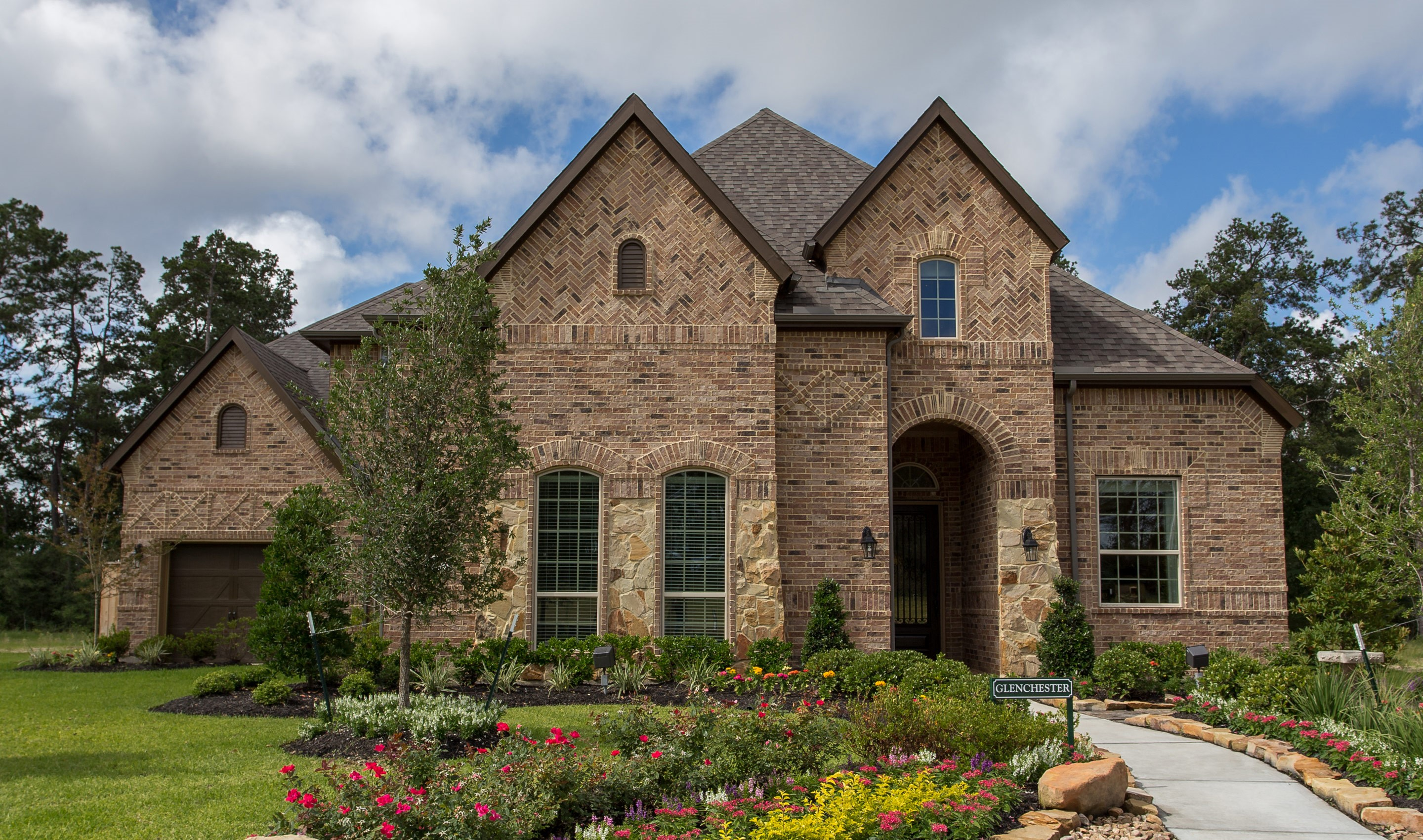Waters edge new homes in houston tx for Houston home designers