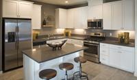 yosemitie-kitchen-aspire-at-bellevue-new-homes-merced-ca