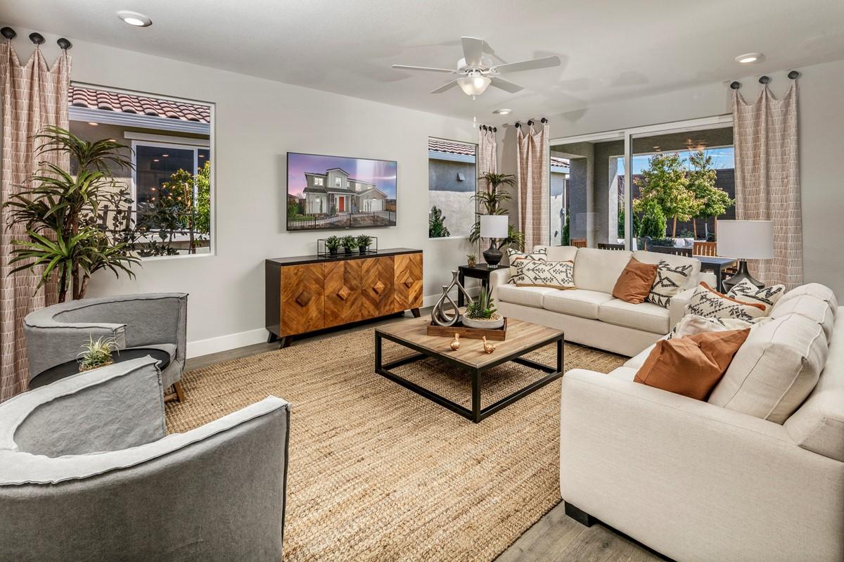 61534_Encantada at Vineyard Terrace_Sherry_Sherry Model Interior Of Great Room