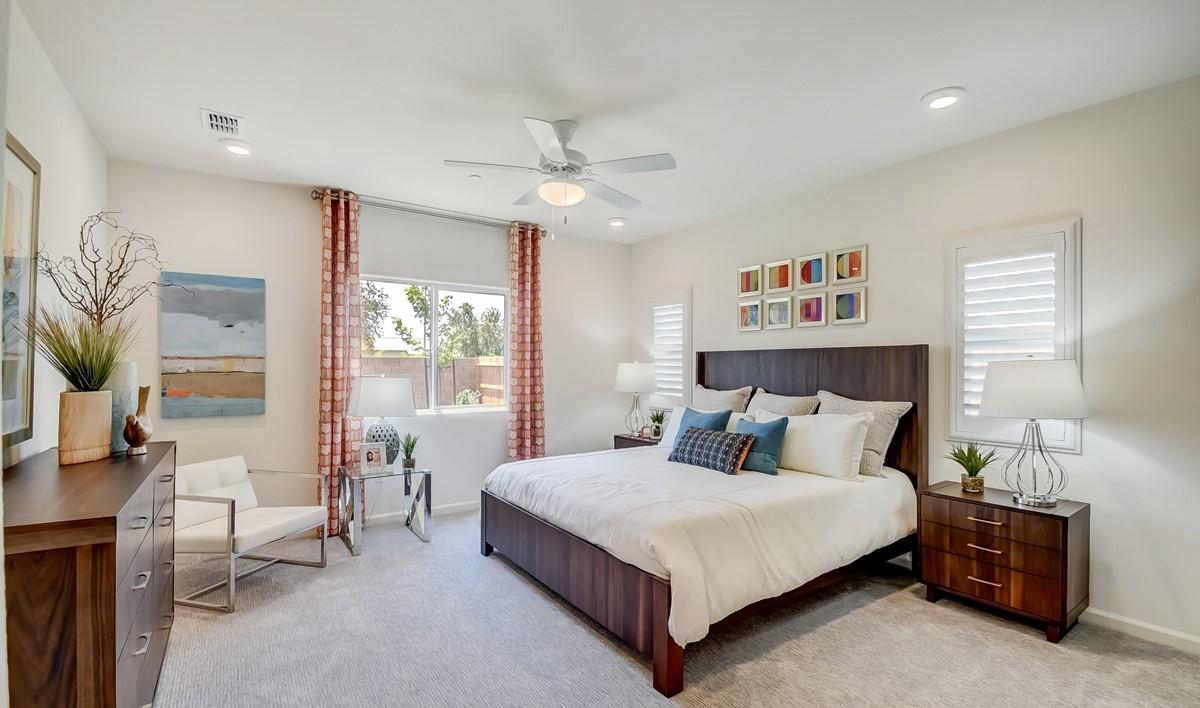 5353_Aspire at Sunnyside_Slate_Master Bedroom-3