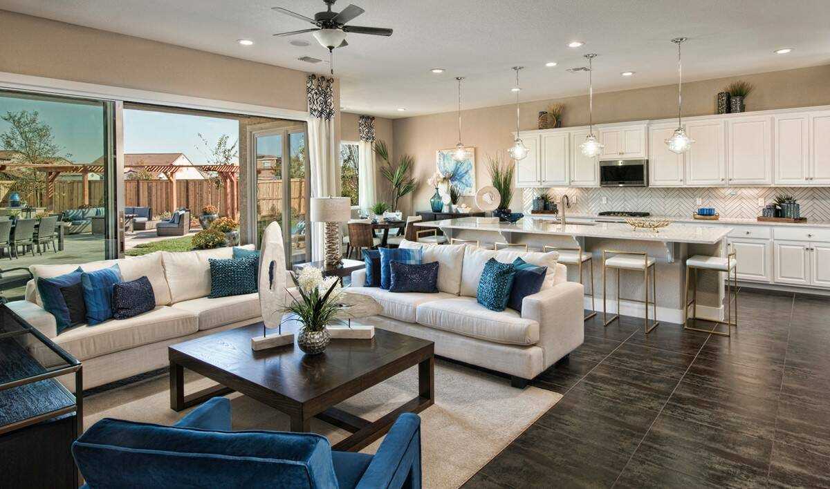 evergreen great room kitchen new homes parkside at westshore