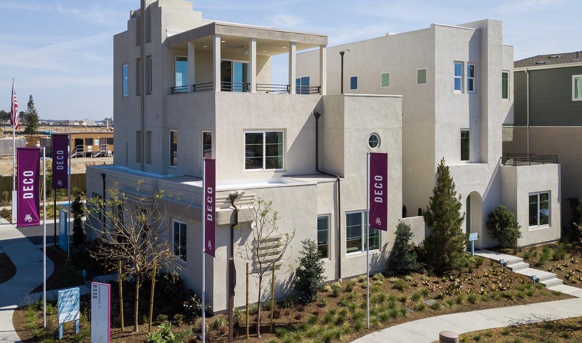 pontiac-exterior-01-deco-at-cadence-park-new-homes-irvine-ca