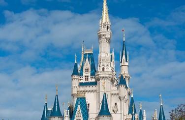 1 58643_GettyImages-465466616_Disney World CinderellaCastle (1)