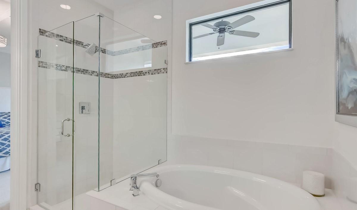Casa Del Mar Selena II Owners Bath-2