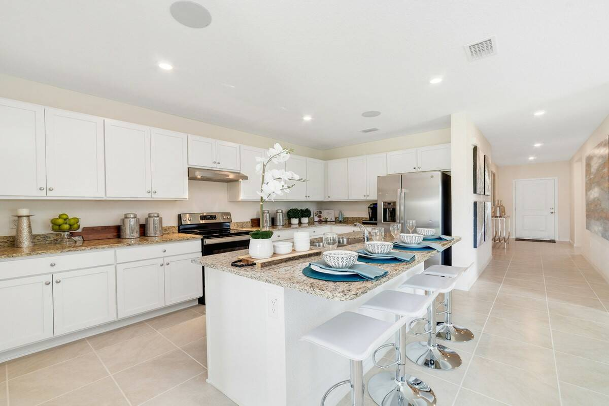 70932_Aspire at The Links of Calusa Springs_Dupont_Kitchen