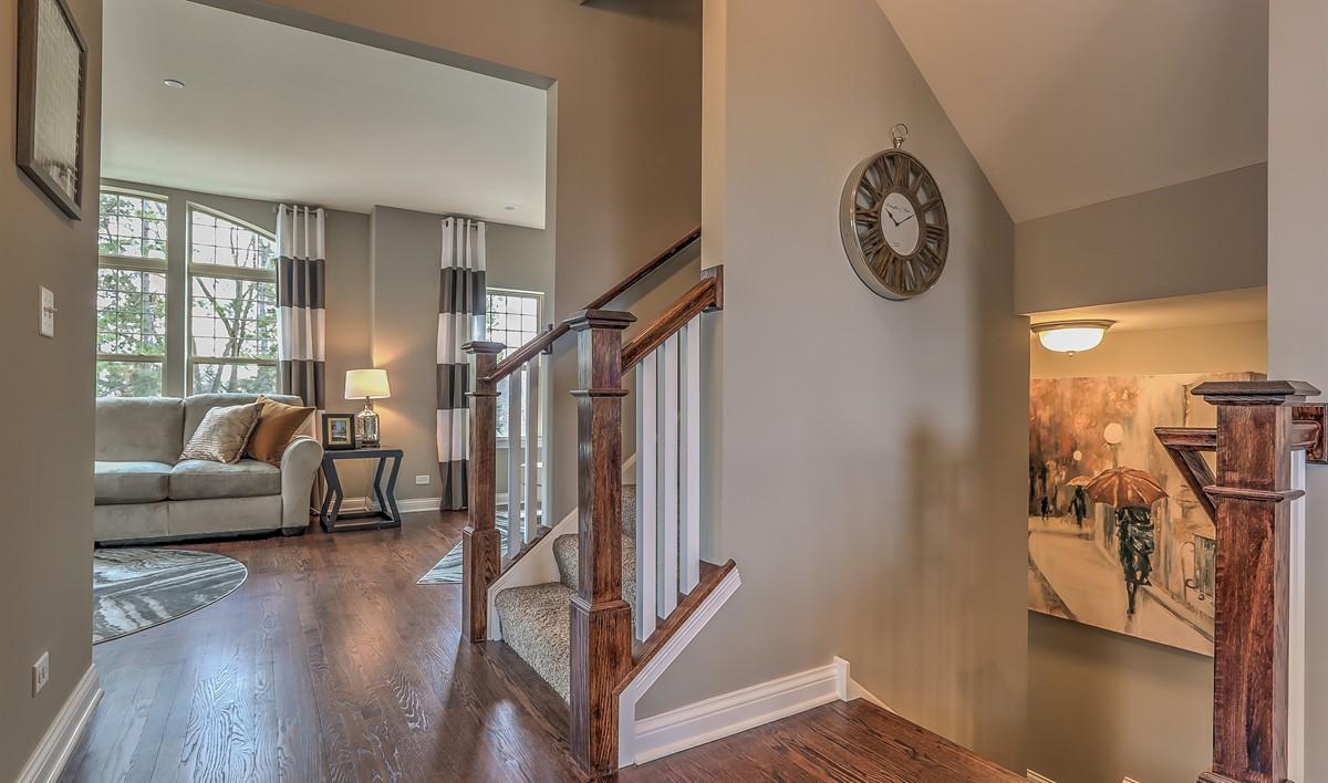 new-homes-libertyville-parkside-ontario-036_Hallway