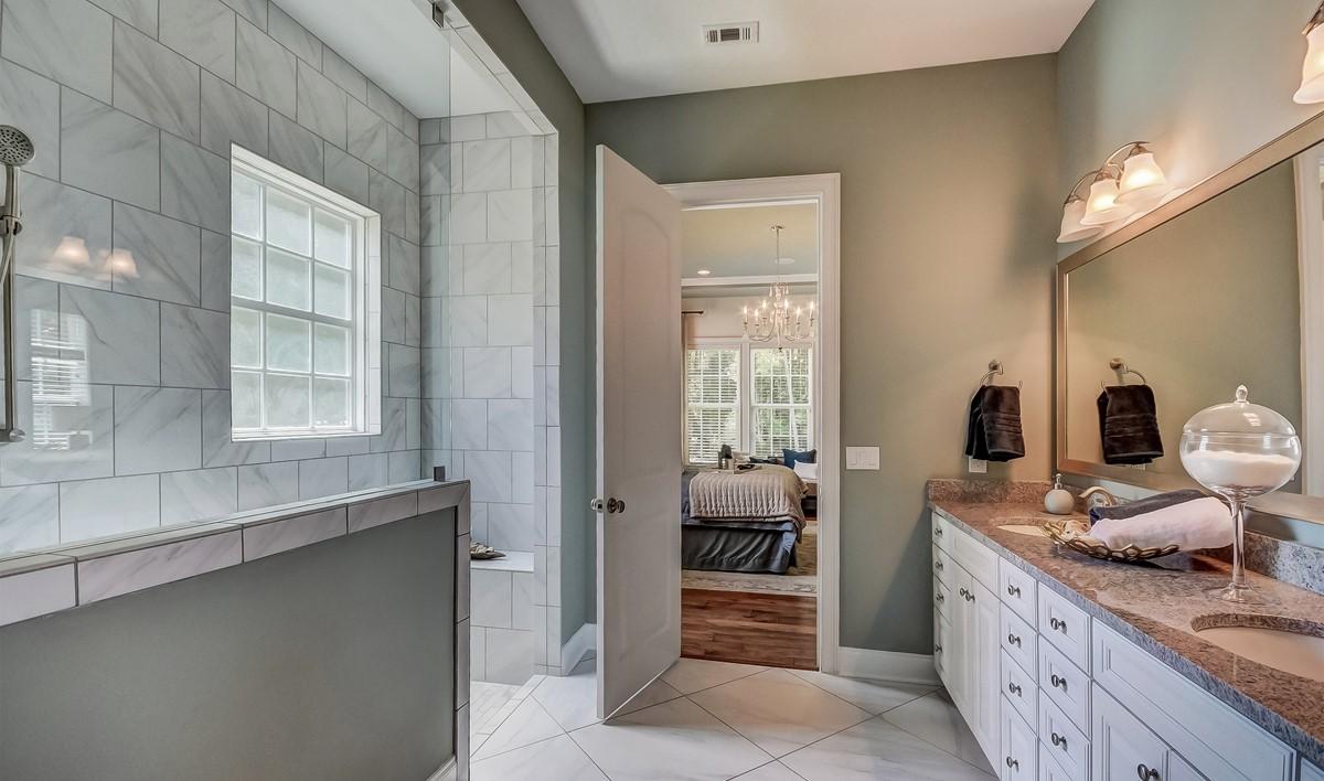 Savannah Quaters Santorini Loft  Owners Suite Two Bath-2