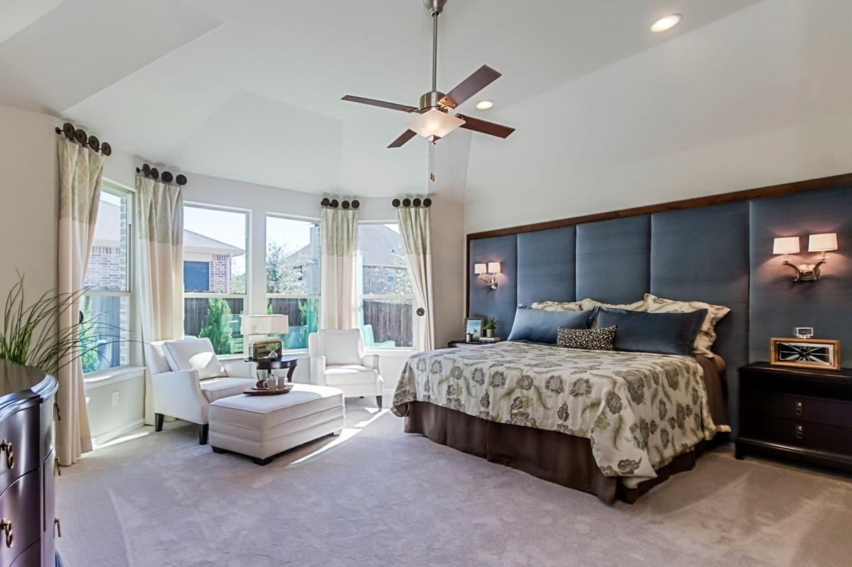 New Homes in Roanoke Texas Seventeen Lakes Estates Hillcrest Master Bedroom