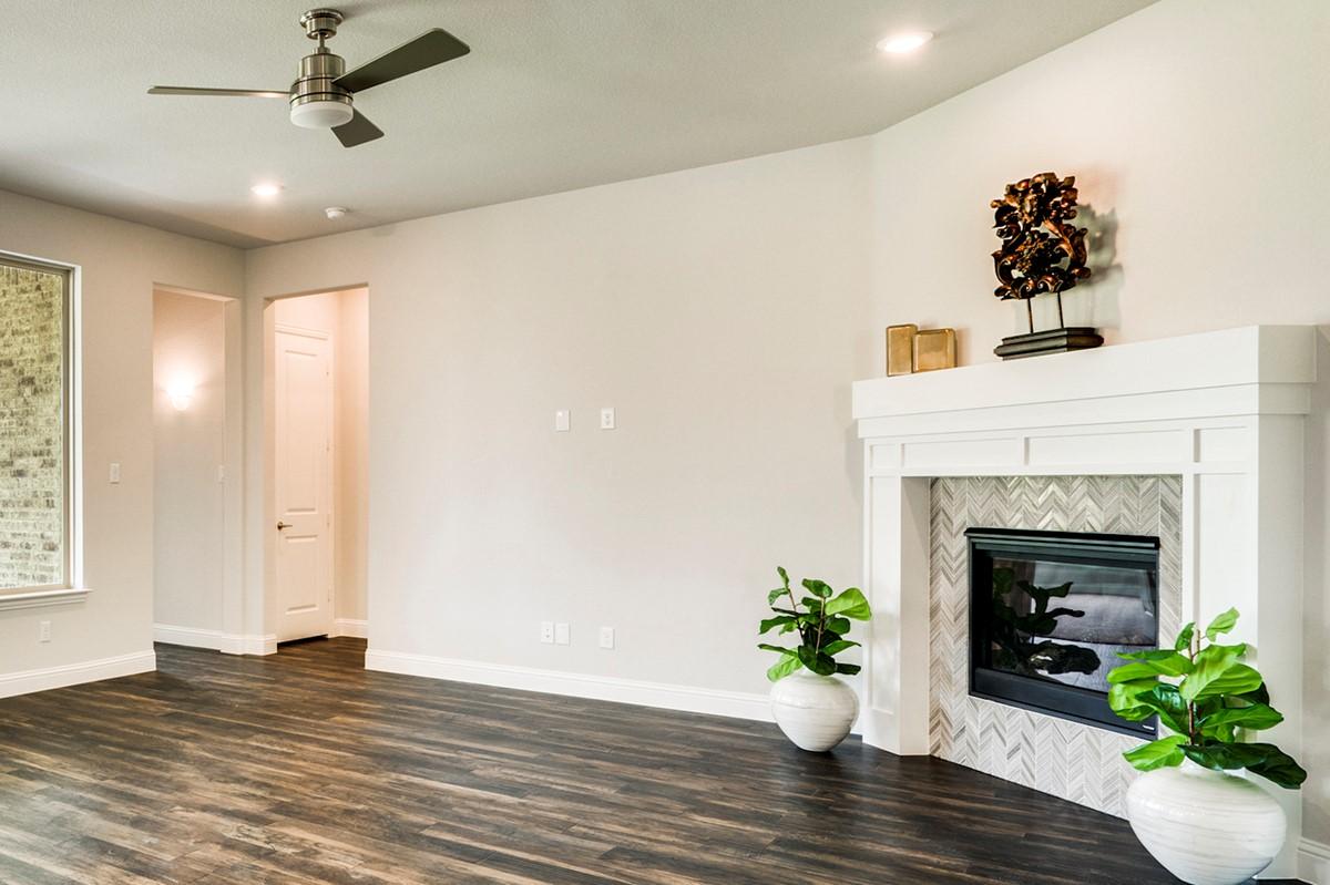 Clarendon II - Fireplace