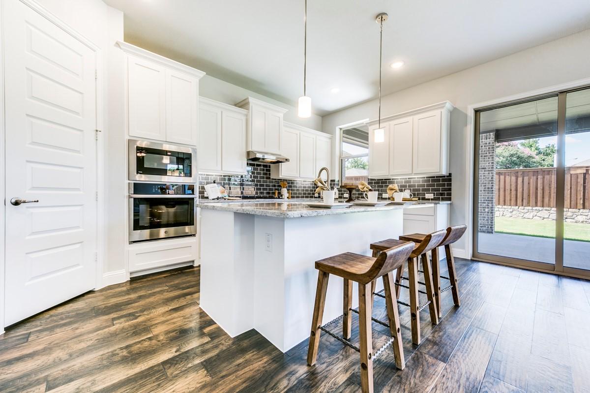 7711 Coronado_DelRay_R42A_C_Kitchen