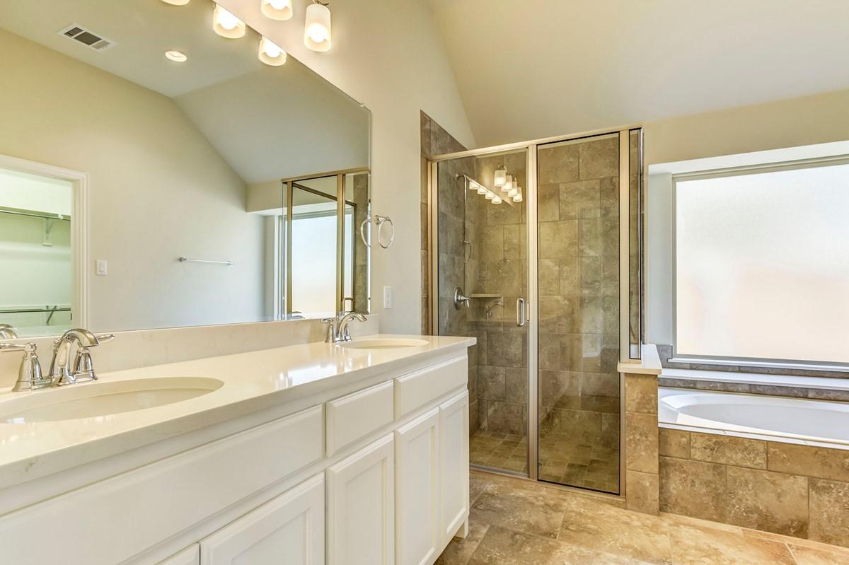 9712 Denali Drive_Lexington_Wildridge_022_Master Bath