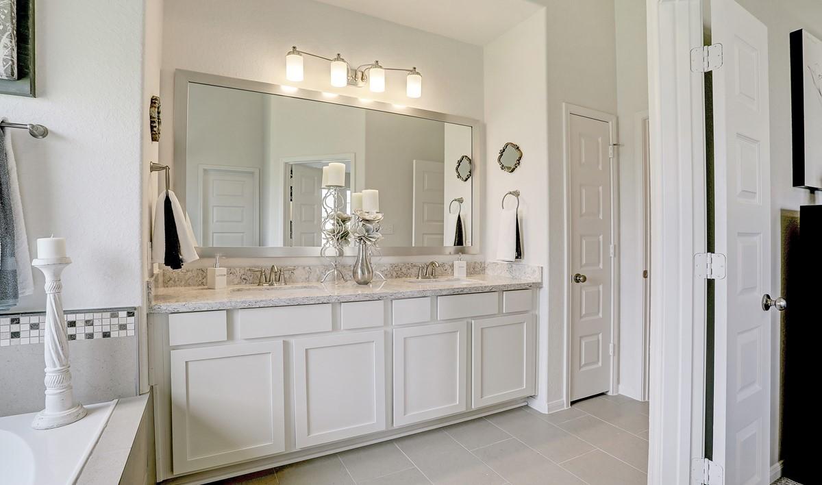 Master bath_Casa Linda 32106 IMG 28_1c
