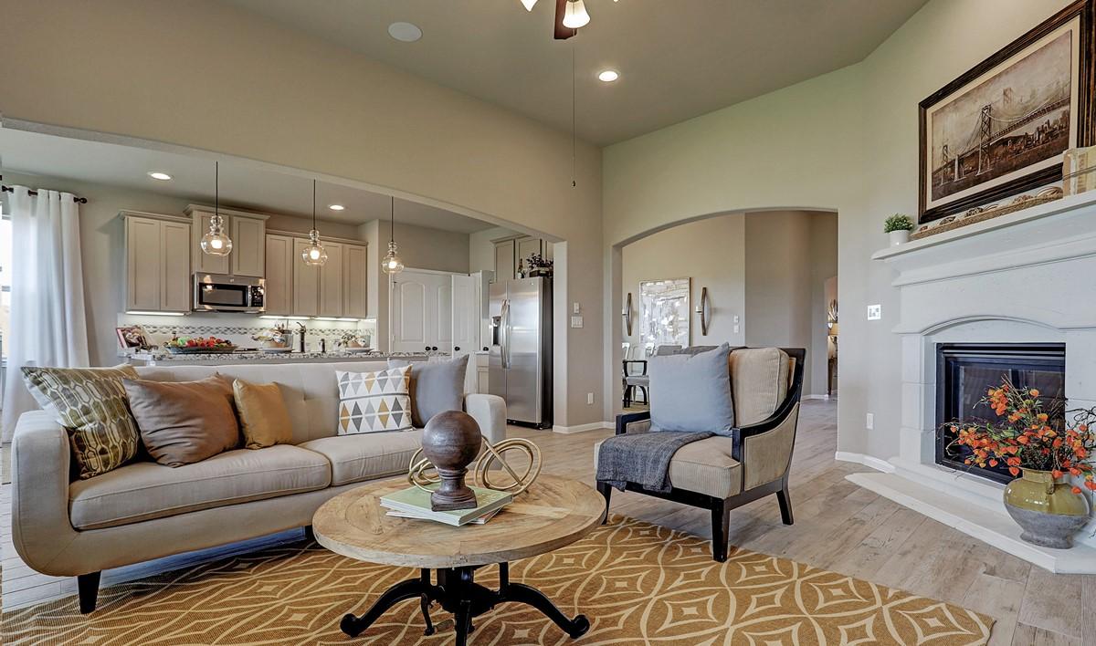 Great room_Prairie Glen 24126 IMG 10_1_1c