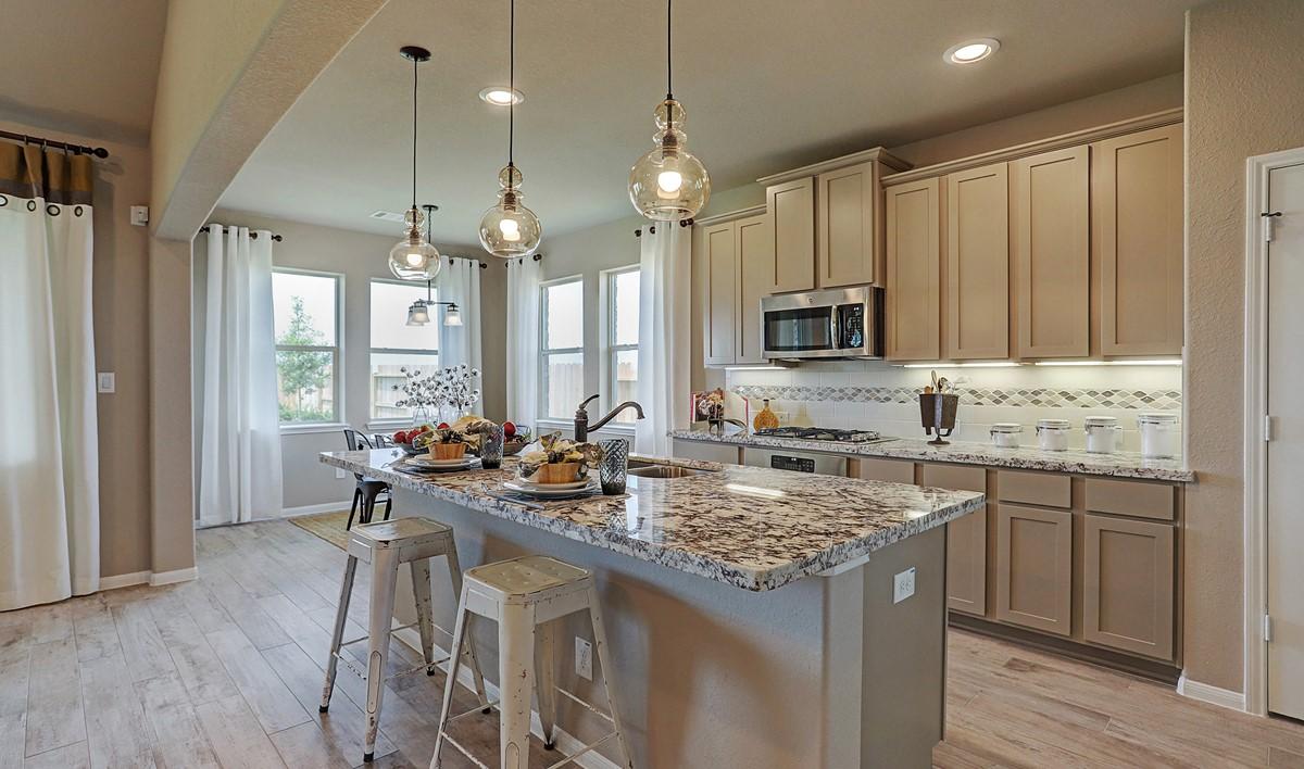 Kitchen_Prairie Glen 24126 IMG 11_1_1c