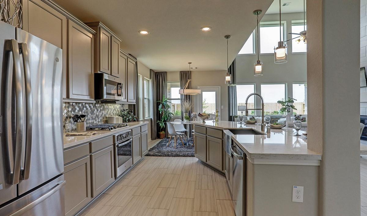 Kitchen2_Prairie Glen 24130 IMG 14_1_1c