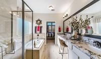 71584_Hunters Creek_Savannah_Owner_s Luxury Bath