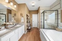 75211_Providence at Kingdom Heights_Wilmington II_Owner_s Luxury Bath