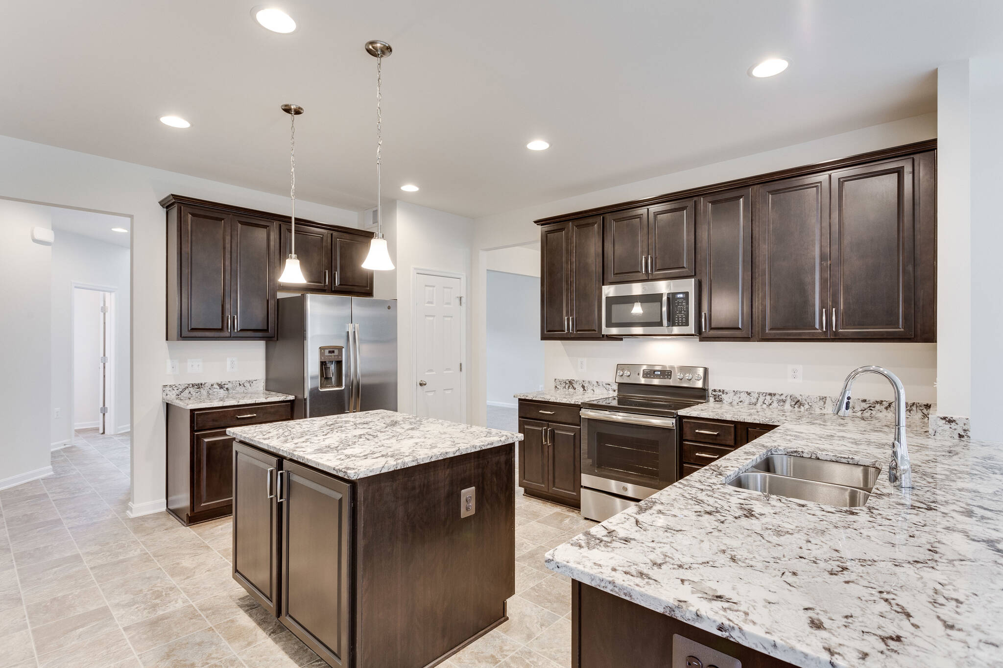kitchen peachtree II 16 lot 10 new homes at wellspring