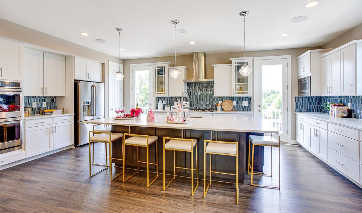 VA_RocklandVillageGren_Holbrook_Interior_Kitchen13