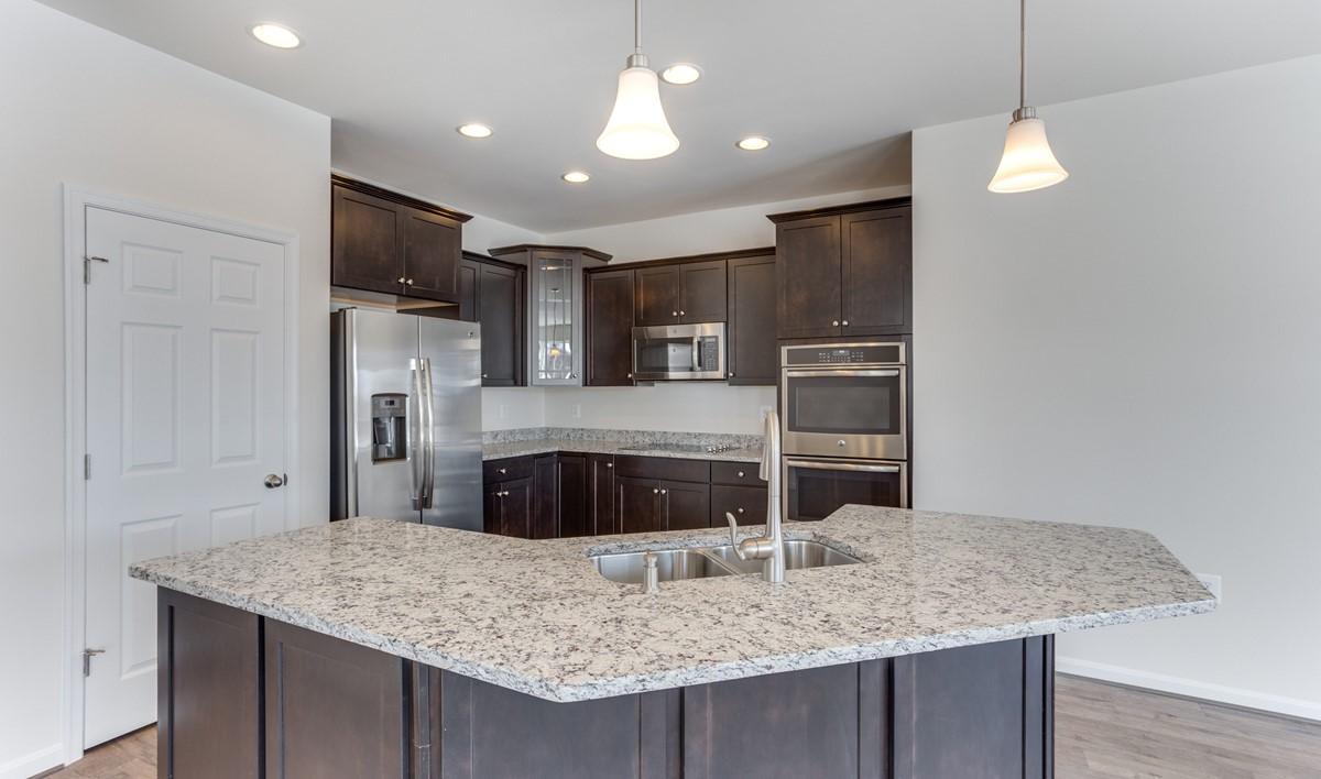 loren kitchen2 new homes at shenandoah springs